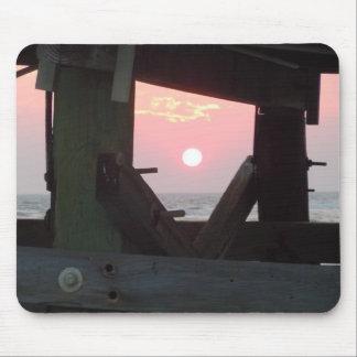 Solnedgång till och med pir - Oakö, NC Musmatta