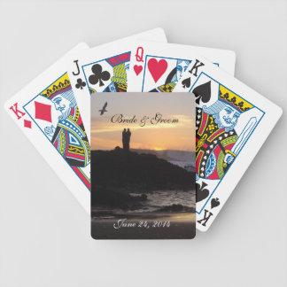Solnedgången kopplar ihop att leka kort spelkort