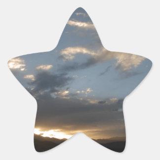 Solnedgångglödet i Tibet Stjärnformat Klistermärke