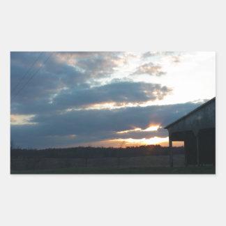 solnedgångmoln/ladugård rektangulärt klistermärke