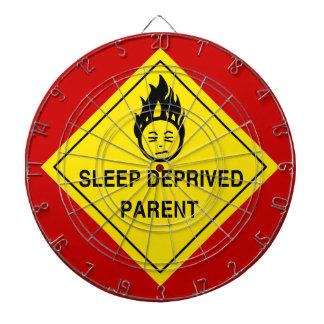 Sömn berövad förälder darttavlor