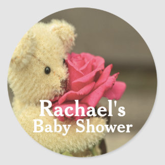 Söt nalle med den rosa baby shower runt klistermärke