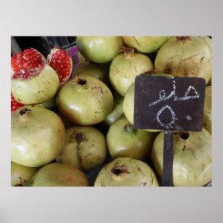 Söt pomegranateaffisch med arabiskahandstil poster