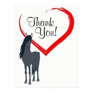 Söten svärtar hästen och rött hjärtatack vykort