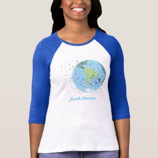 South America beskådar av världen. Colourfull Tee Shirt