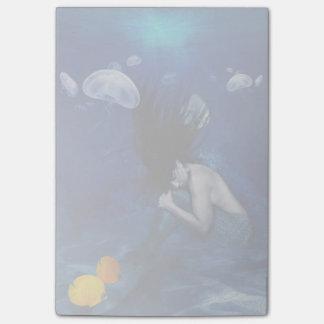 Sova för sjöjungfru som är längst ner av hav post-it lappar
