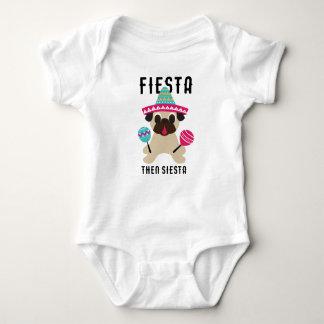 Spädbarn för Siesta för mopsCinco de Mayo Fiesta T Shirts