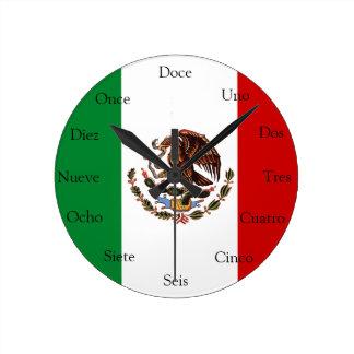 Spanjoren tar tid på med mexicansk flagga rund klocka