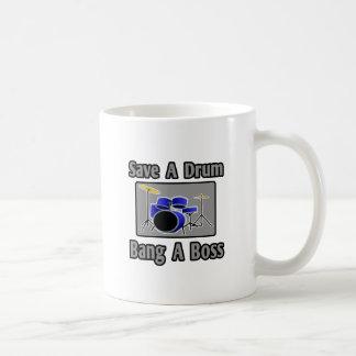 Spara en trumma… smäll en chef kaffe muggar