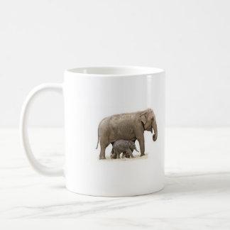 Spara muggen för kaffe för elefantelfenbentea kaffemugg