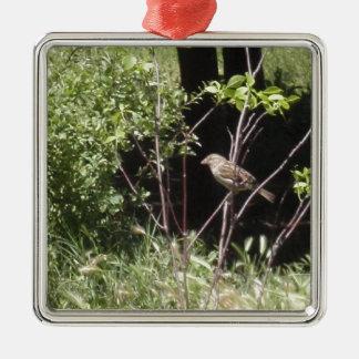 Sparrow i skogen julgransprydnad metall