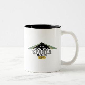 Sparta MI - Flygplatslandningsbana Två-Tonad Mugg