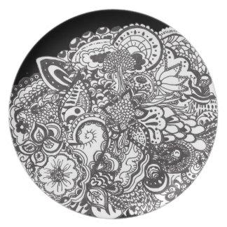 Specificerat svartvitt skrivar och bläckkonst tallrik