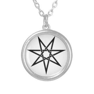 Spetsig stjärna sju silverpläterat halsband