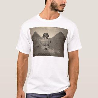 Sphinxen av Giza som grävas delvist Tee Shirt