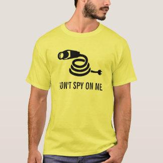 Spionera inte på mig t-shirts