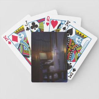 Spöke som leker organ som leker kort spelkort