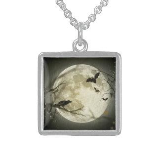 Spöklika kråkor för Halloween måne Halsband Med Fyrkantigt Hängsmycke