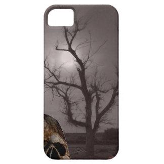 Spöklika kyrkogårdgravstenar och skallefoto Mashup iPhone 5 Hud