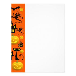 Spöklikt Halloween spökat hus med den svart katten Brevhuvud