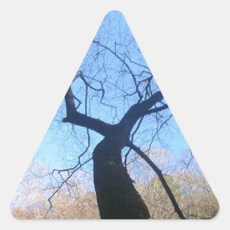 Spöklikt träd triangelformat klistermärke