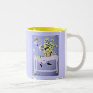 Springtime - gult/blått Två-Tonad mugg