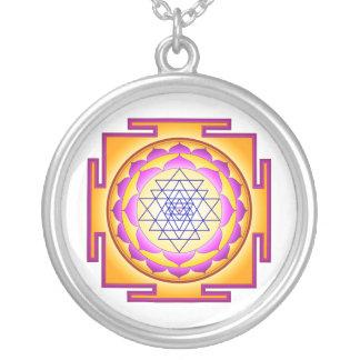 Sri Chakra gudinna Shri Lalitha Tripura Sundari Halsband Med Rund Hängsmycke