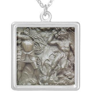 St George som slåss draken Silverpläterat Halsband