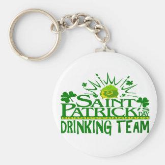 St patricks day som dricker laget. Irländska Rund Nyckelring