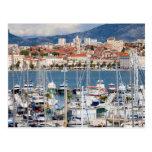 Stad av den kluvna marinaen och den gammala townen vykort