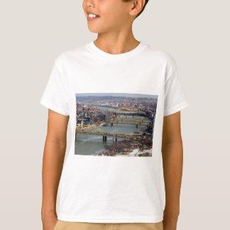 Staden av överbryggar t-shirt