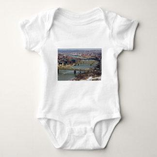 Staden av överbryggar t-shirts