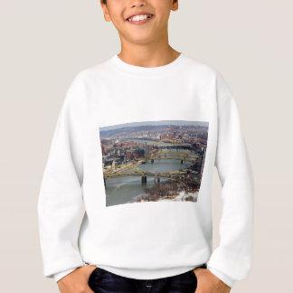 Staden av överbryggar tee shirts