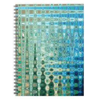 Stads- oasanteckningsbok som är designad vid anteckningsbok med spiral