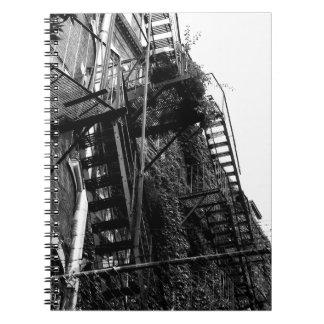 Stadsbyggnad avfyrar fotoanteckningsboken för anteckningsbok med spiral