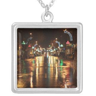Stadsgata på natten silverpläterat halsband