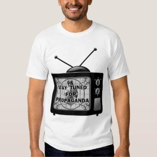 Stag som trimmas för propaganda t-shirts