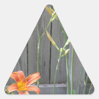 Staket med Lillies Triangelformat Klistermärke