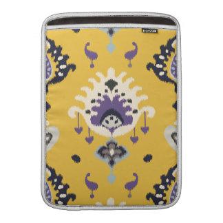Stam- mönster för chic modern gul purpurfärgad ika MacBook sleeve