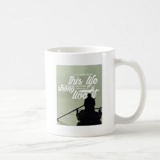 Starkt nog att bo detta liv kaffemugg