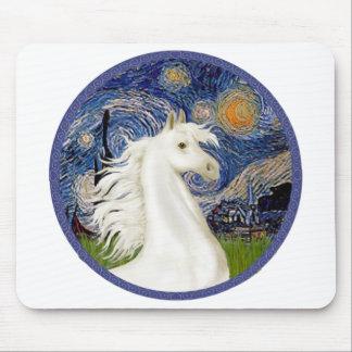 Starry natt - arabiskt hästporträtt för vit musmatta