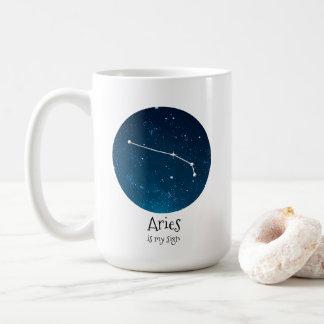 Starry vädurZodiackonstellation på nätterna Kaffemugg