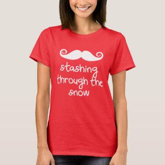 stashing till och med snön! Rolig jul T-shirts