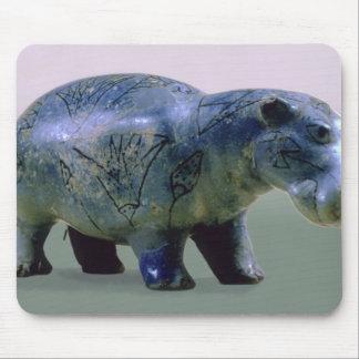 Statuette av en flodhäst musmatta