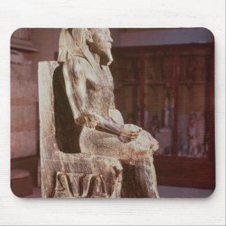 Statyn av Khafre installerar Musmatta