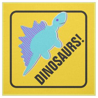 Stegosaurusen akta sig Dinosaurs som att korsa Tyg
