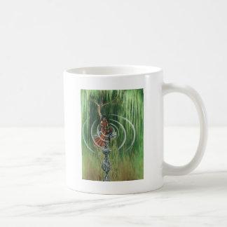 Sten stöder takten kaffemugg