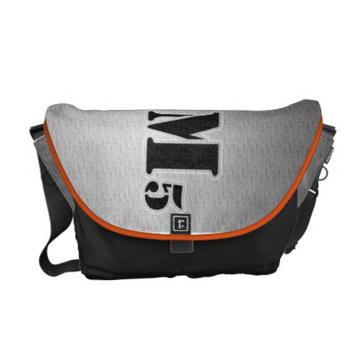 Stencilerad messenger bag
