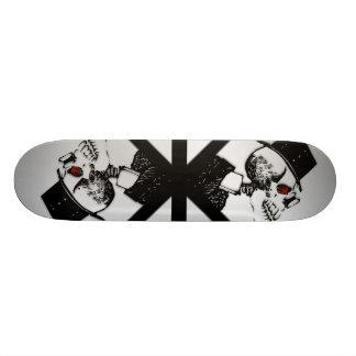Stiger ombord den skelett- skridskon för det röda mini skateboard bräda 18,5 cm
