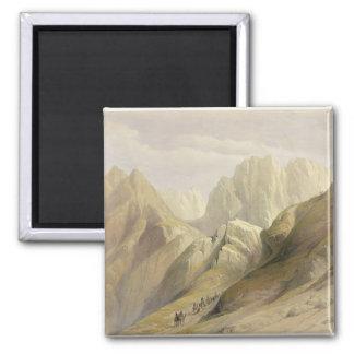 Stigningen av det lägre spänner av Sinai, Februari Magnet